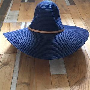 Wide brim floppy blue hat